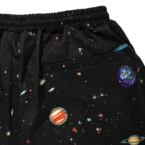 PRINTED SHORTS 〈SPACE〉